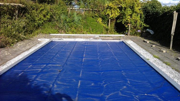 Zomerzeil zwembad noppenfolie op maat gemaakt - Zwarte voering voor zwembad ...